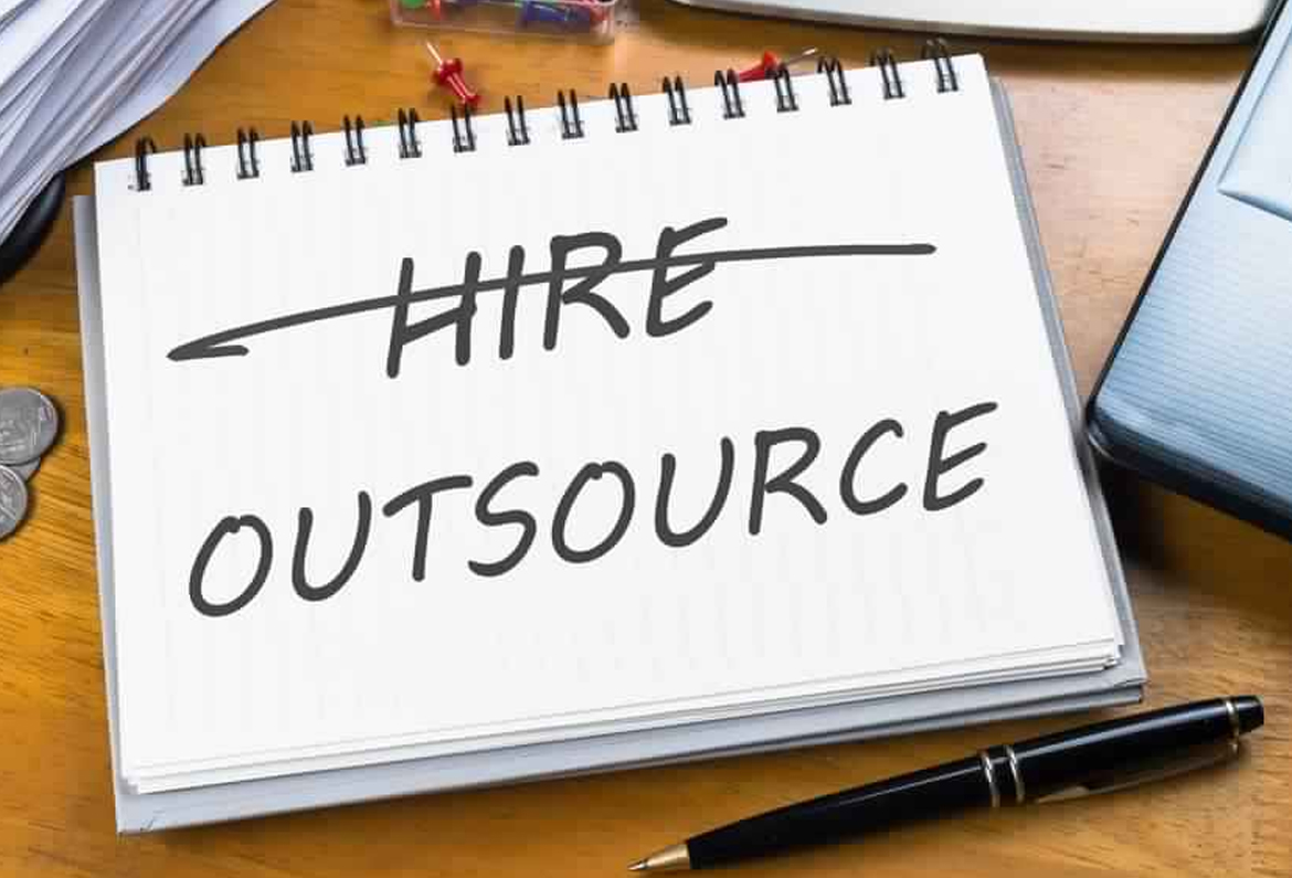 advantages of outsourcing staffing services